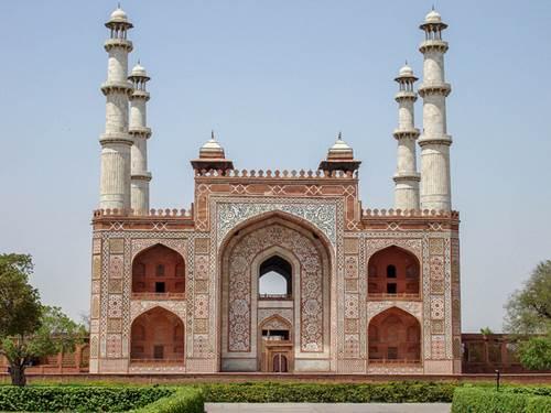 Go for a Tour Delight - Places to Visit near Taj Mahal 2