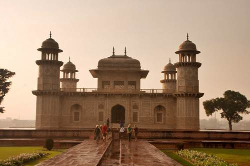 Go for a Tour Delight - Places to Visit near Taj Mahal 4