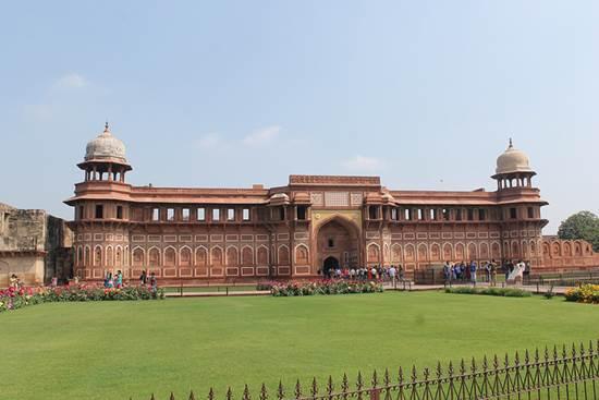 Go for a Tour Delight - Places to Visit near Taj Mahal 5